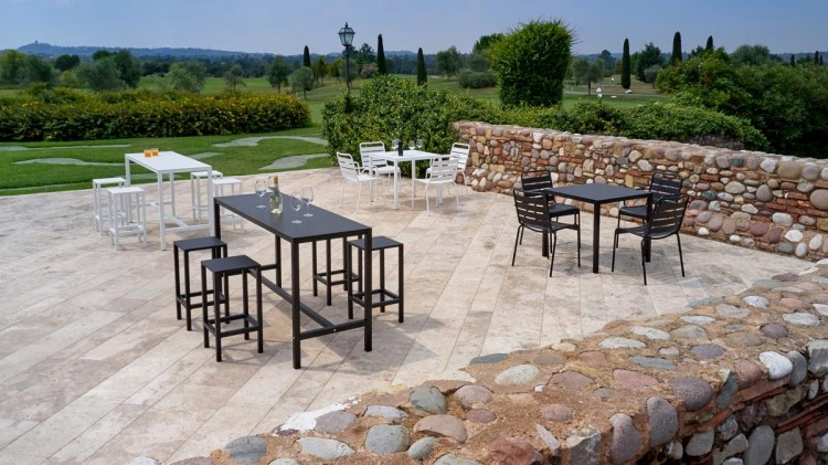 Aria tavolo da giardino